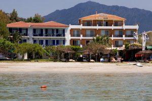 vassiliki hotel sul mare ideale per surfisti