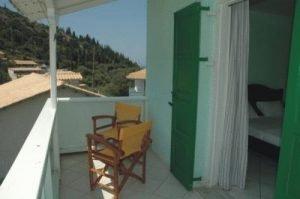 Studios Agios Nikita balconi