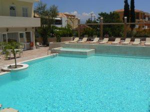 Nidri Studios piscina