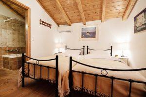 Nikiana Villa camera da letto